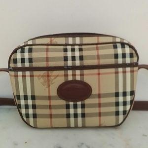 🎉SALE🎉BURBERRY - vintage crossbody bag